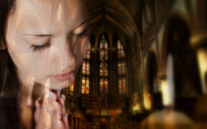 praying2-700x438